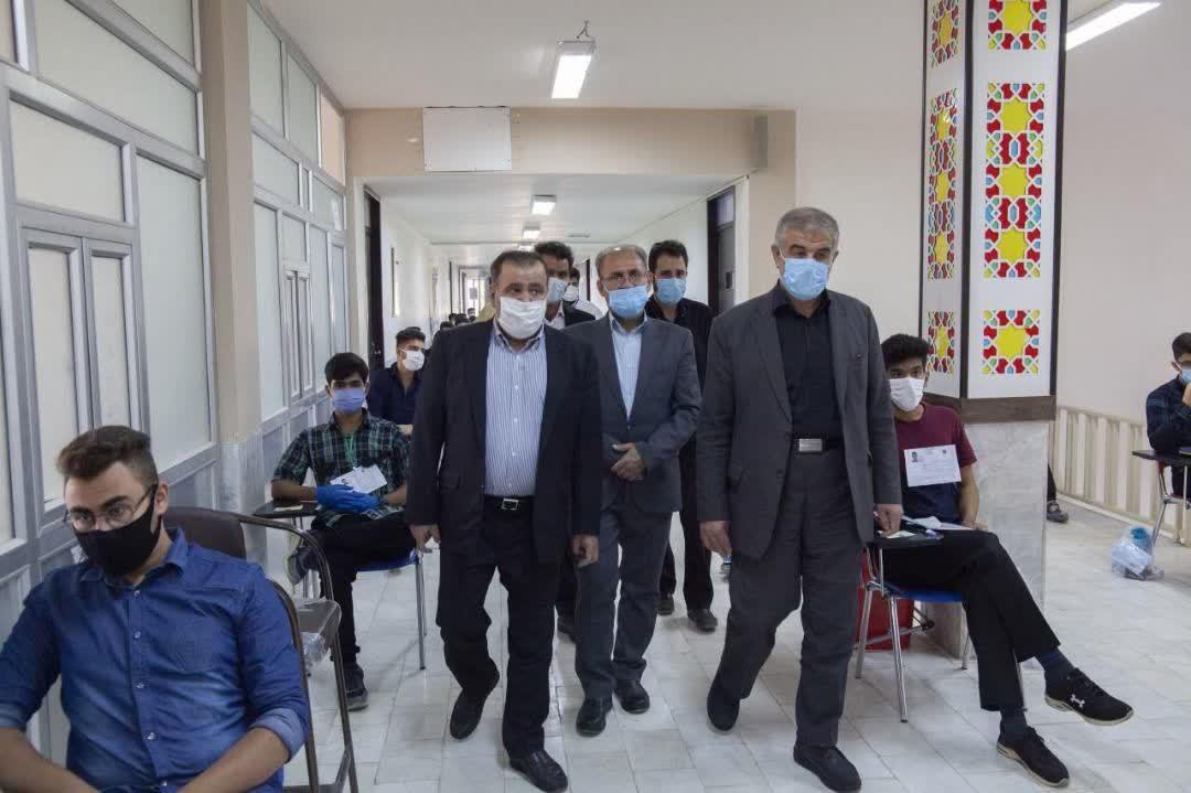بازدید نماینده یزد و اشکذر از حوزه مرکزی کنکور سراسری در یزد